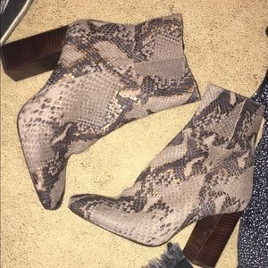 Free people bootie size 38